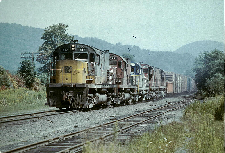 D&H freight leaving Oneonta